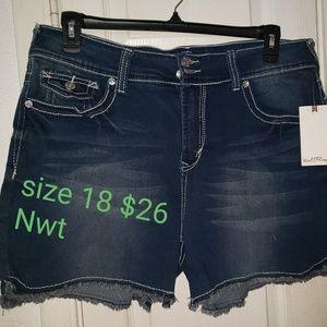 wallflower brand jean shorts
